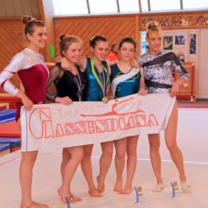 2014: Noémie, Alice, Élise, Juliette et Evna participant au Championnat Individuel LIF